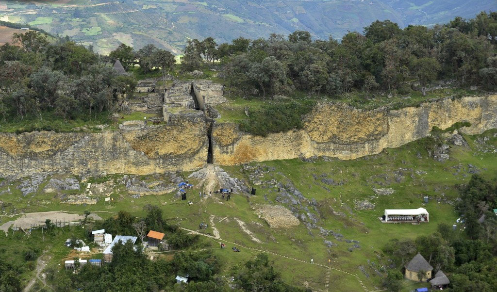 Kuelap Fortress, 3000 meters (9840 feet) above sea level, is seen in the Andean region of Chachapollas, in this aerial view taken June 25, 2011. The archaeological site of Kuelap, constructed by the pre-Inca Chachapollas community in about 800 AD, consists of more than four hundred buildings with stone walls of heights of up to 19 meters (62 feet). REUTERS/Janine Costa (PERU - Tags: TRAVEL ENVIRONMENT)